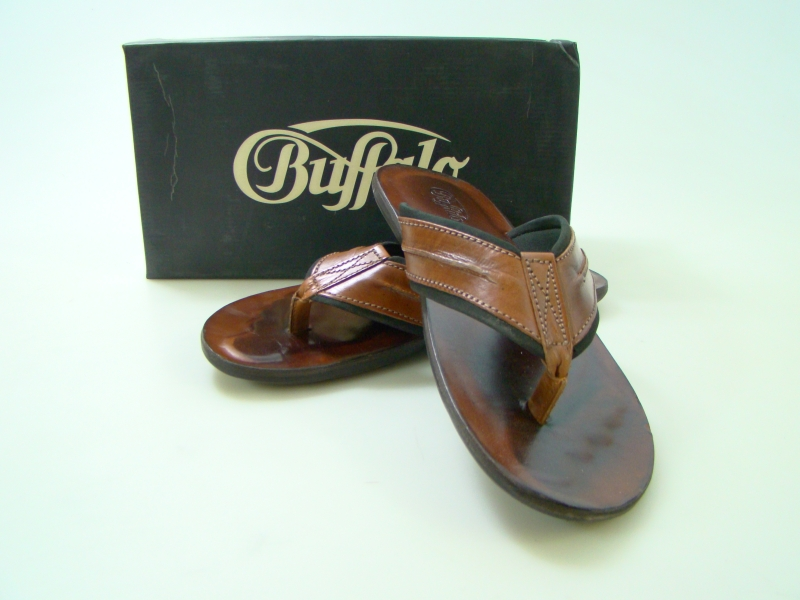 buffalo herren leder zehentrenner braun 44 neu sandalen. Black Bedroom Furniture Sets. Home Design Ideas